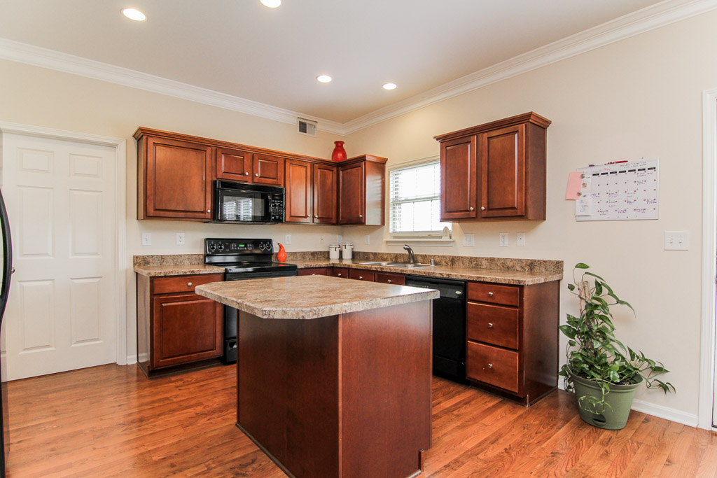 15201 Abington Ridge Place Louisville, KY Kitchen