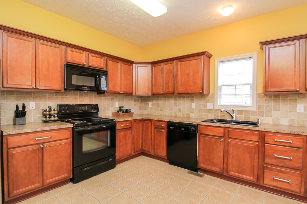 16724 Summit Vista Way Louisville, KY 40245 Kitchen