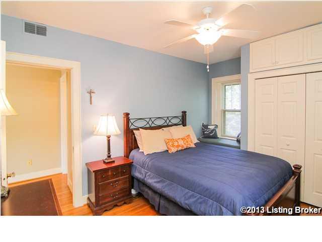 2043 #12 Douglass Boulevard Louisville, KY 40205 Bedroom