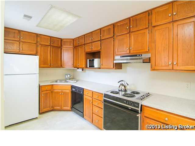 2043 #12 Douglass Boulevard Louisville, KY 40205 Kitchen
