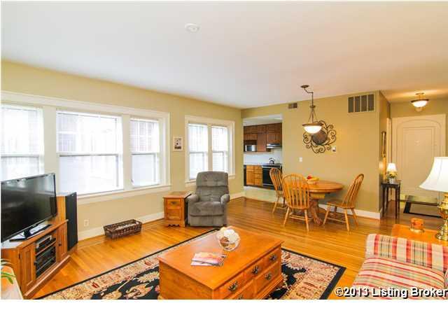 2043 #12 Douglass Boulevard Louisville, KY 40205 Living Room