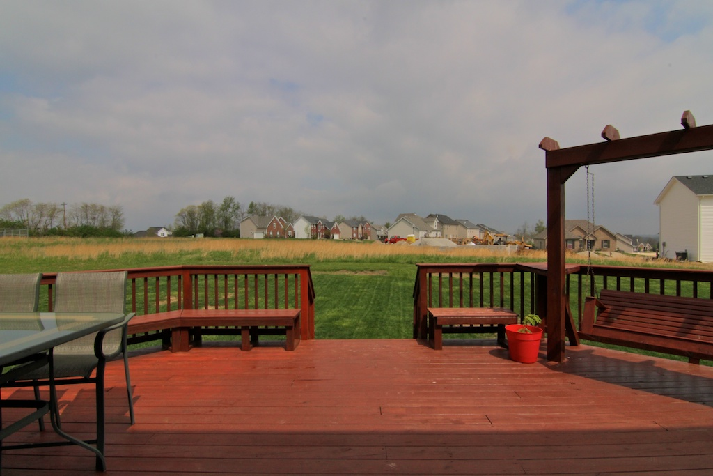 2108 Golfview Court La Grange, KY Deck