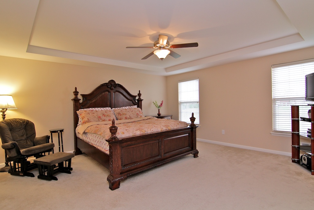 2108 Golfview Court La Grange, KY Master Bedroom