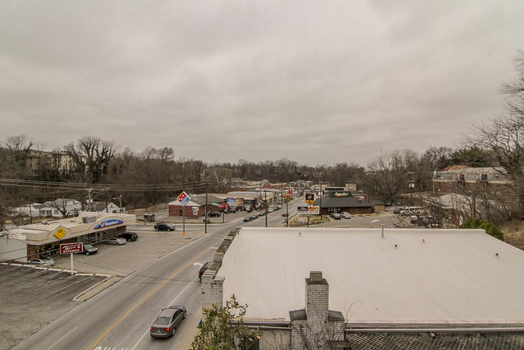 2411 Brownsboro Road #401 Louisville, Kentucky 40206 Terrace