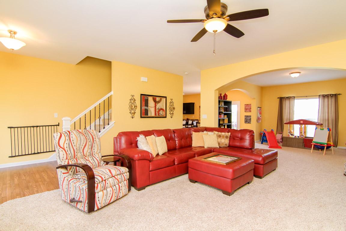 247 Deep Creek Drive Shepherdsville, KY Living Room