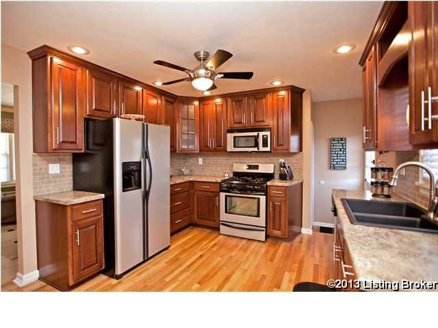 2505 Lorene Avenue Louisville, Kentucky 40216 Kitchen