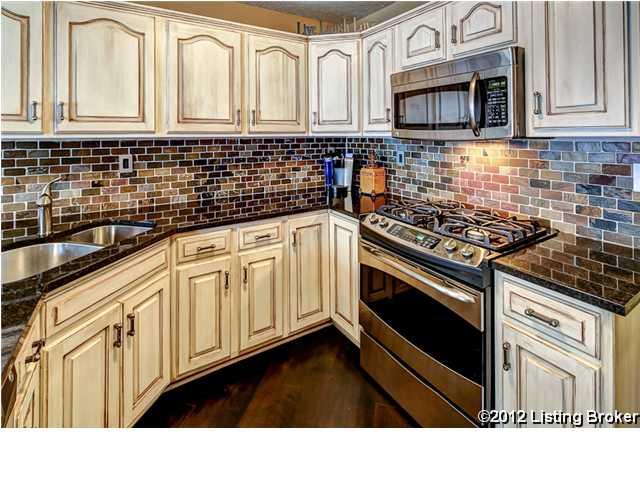305 Erin Circle Drive Mt. Washington, KY 40047 Kitchen
