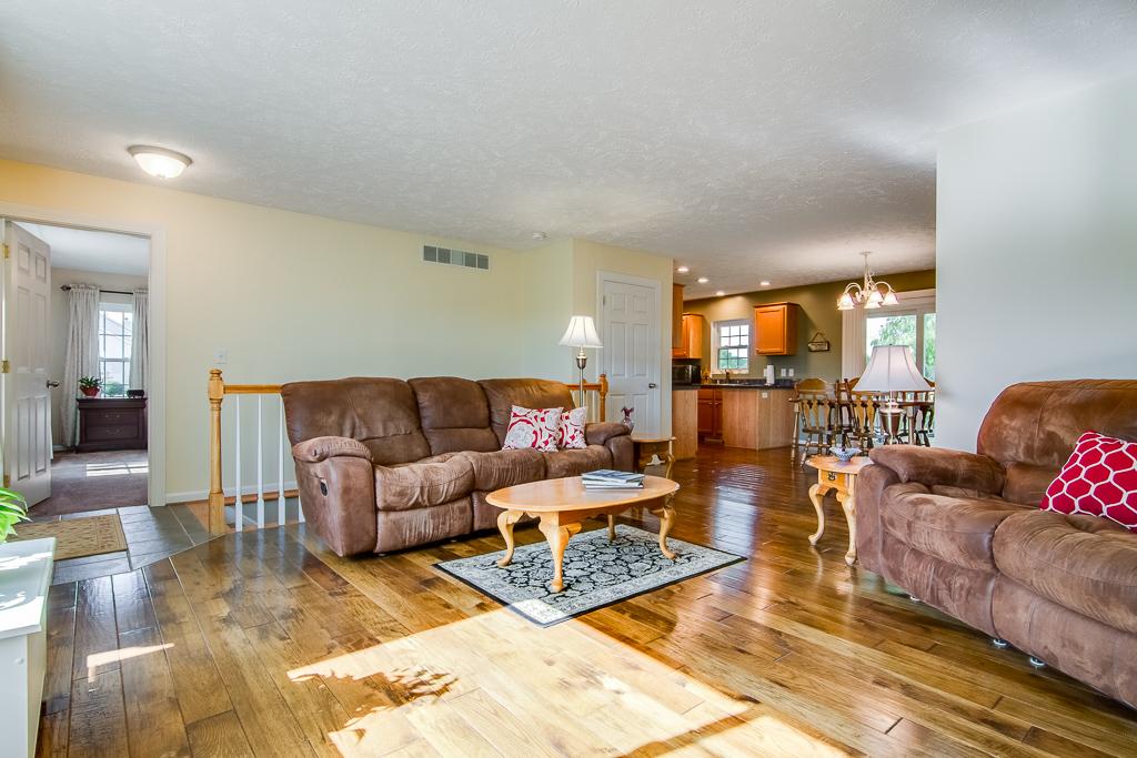 315 Kristen Drive Fisherville, KY Living Room