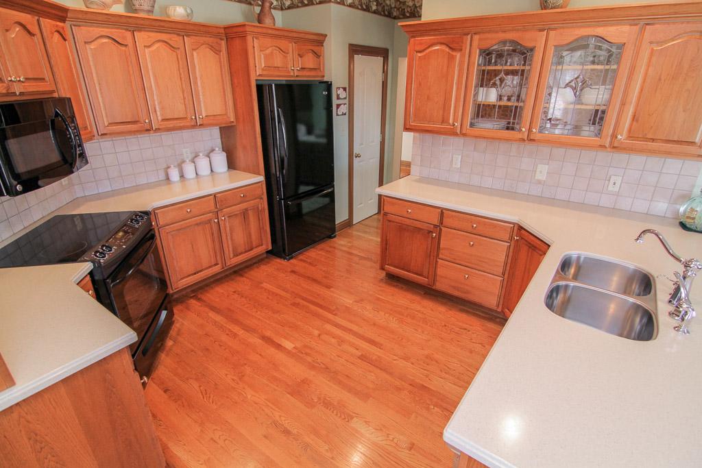 3369 Yoder Tipton Road Taylorsville, KY 40071 Kitchen