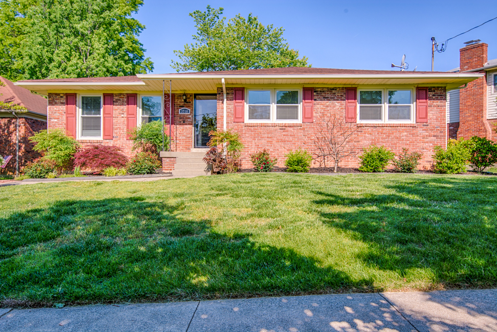 3710 Sourwood Court Louisville, KY 40220