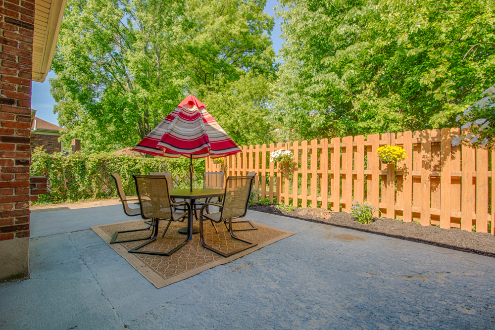 3710 Sourwood Court Louisville, KY 40220 Patio