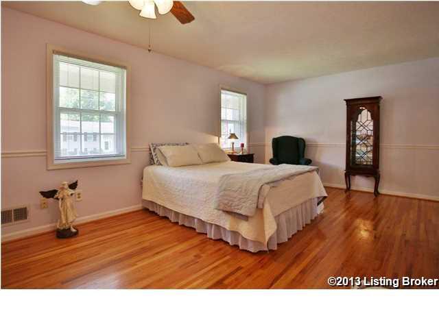 3809 Tuesday Way Louisville, Kentucky 40219 Bedroom