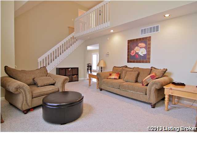 3900 Fairfield Meadow Drive Louisville, Kentucky 40245 Living Room