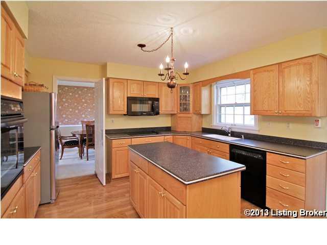 3913 Old Brownsboro Hills Road Louisville, Kentucky 40241 Kitchen