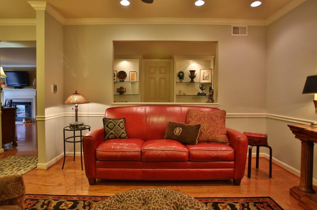 410 Mockingbird Valley Road Louisville, KY Living Room