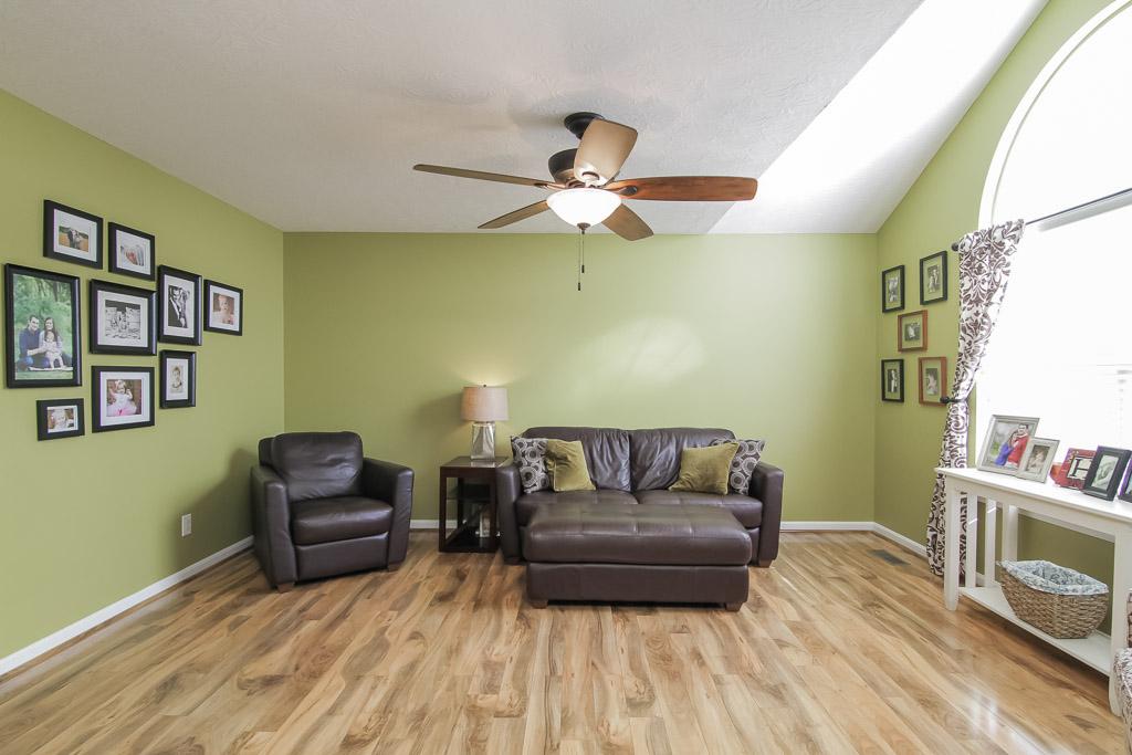 417 Cornell Avenue Mt. Washington, KY Living Room
