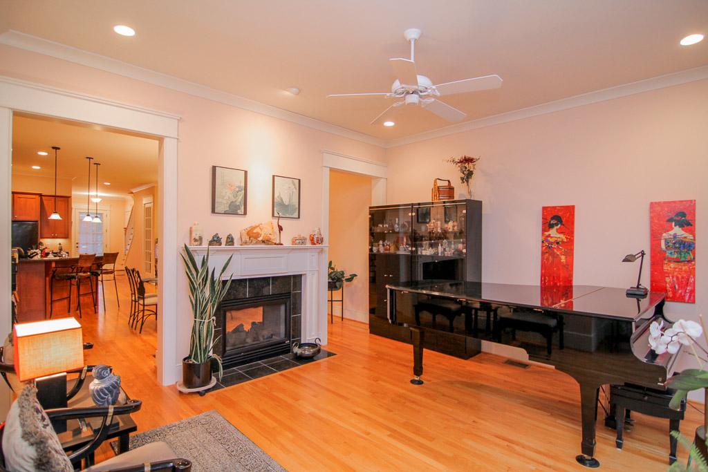 4702 Maris Lane Louisville, KY 40241 Living Room