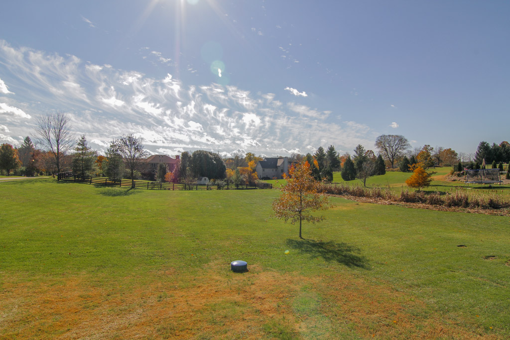 4722 Sunny Hill Drive Crestwood, KY Yard