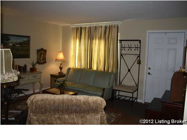 50 Lake Avenue Louisville, Kentucky Living Room