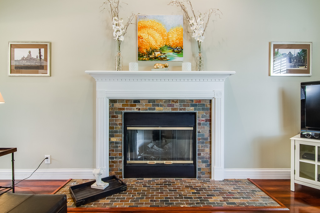 5213 Rainmaker Court Louisville, KY Fireplace
