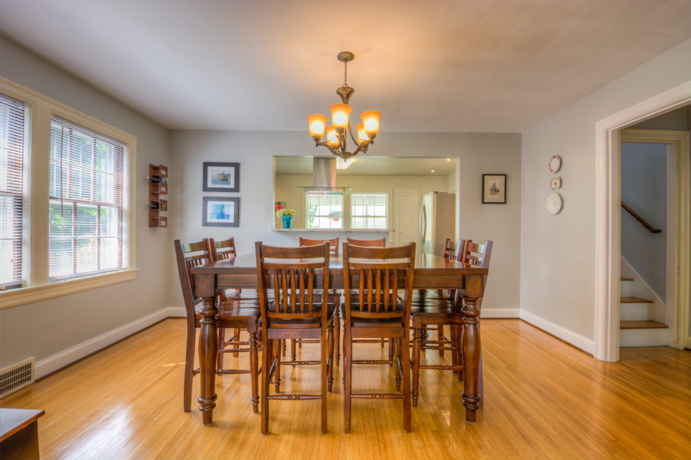 524 Iola Road Louisville, KY Dining Room