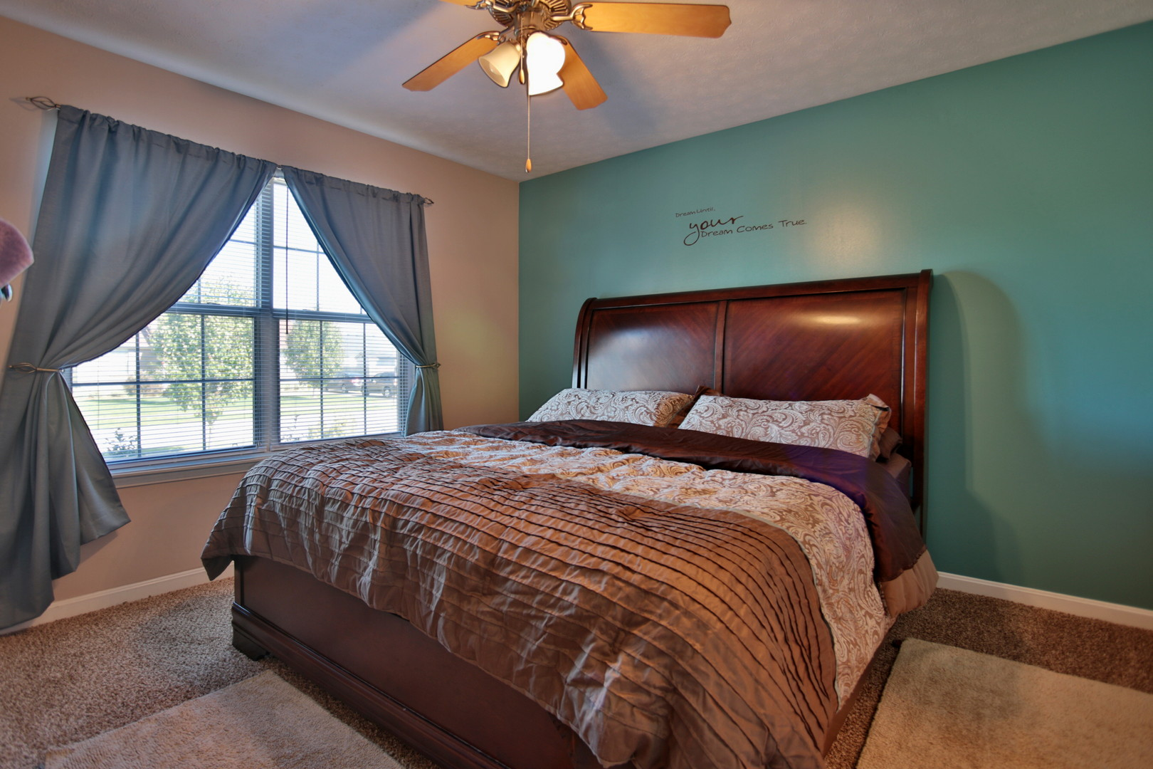 542 Oak Grove Blvd. Shepherdsville, KY 40165 Master Bedroom