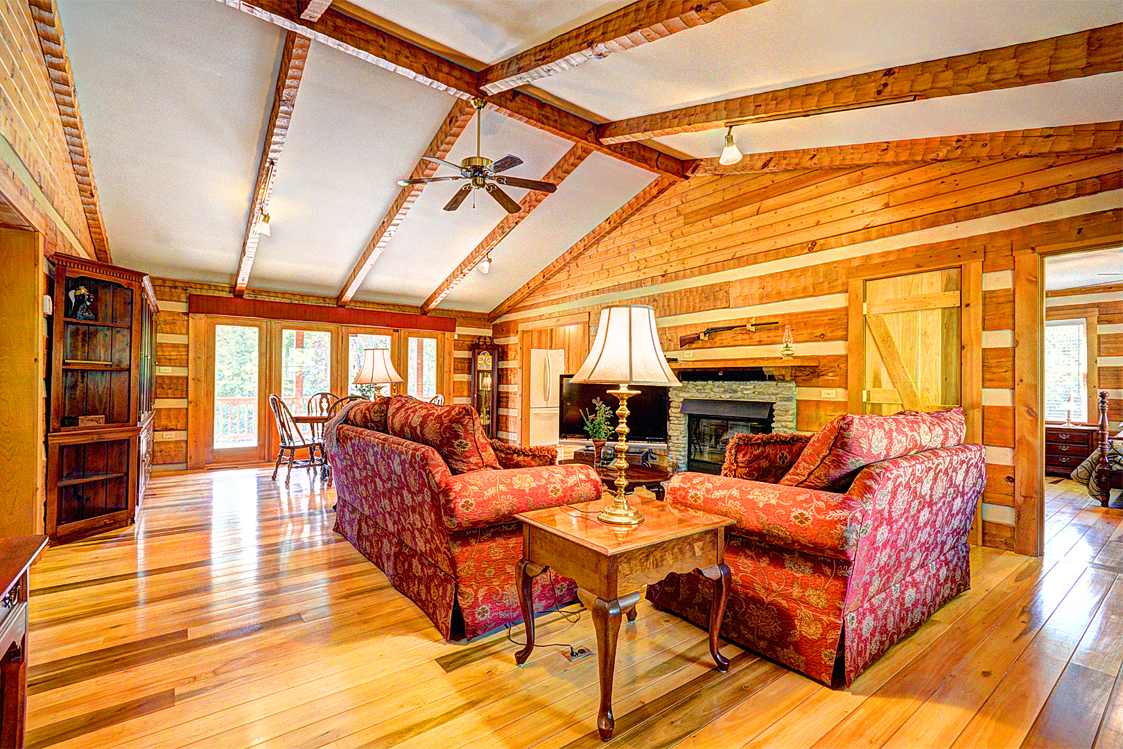6422 Fible Lane Crestwood, KY Living Room