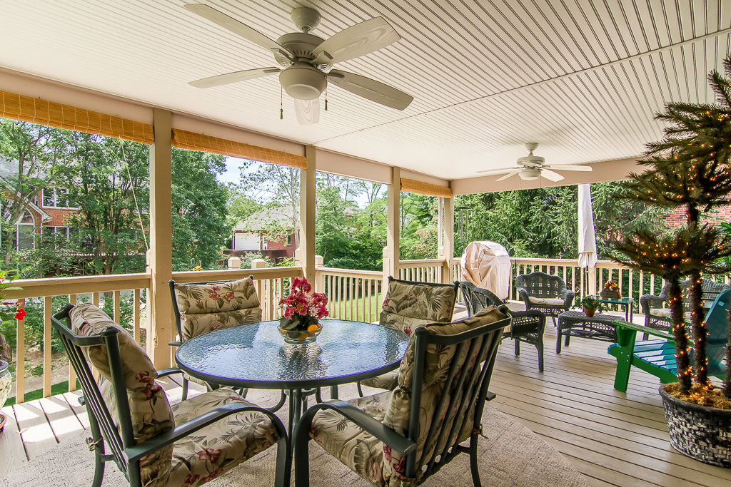 7016 Wooded Meadow Road Louisville, KY Deck