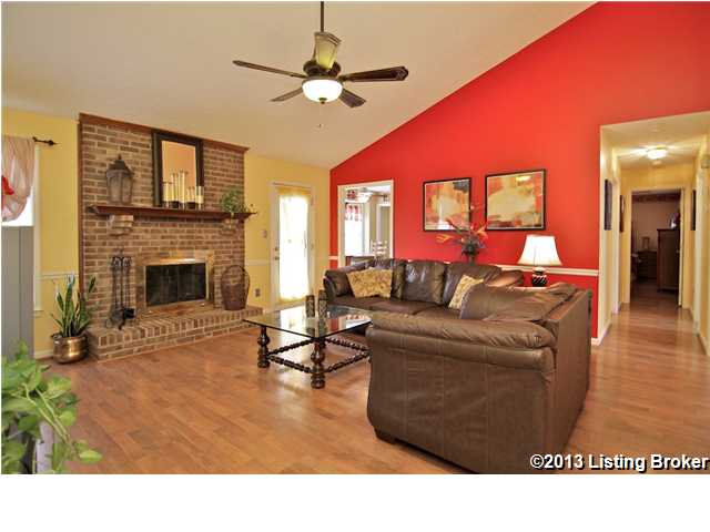 8502 Hurstbourne Woods Place Louisville, KY 40299 Living Room