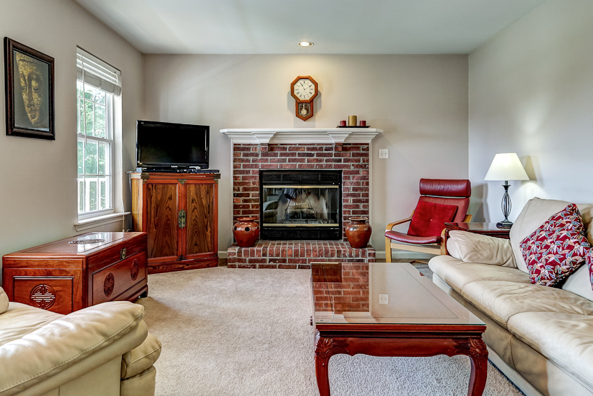 9501 Poplar Hill Drive Crestwood, Kentucky Family Room