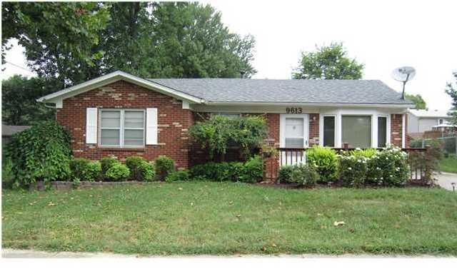 9613 Walnutwood Way Louisville, Kentucky 40299 Home for Sale