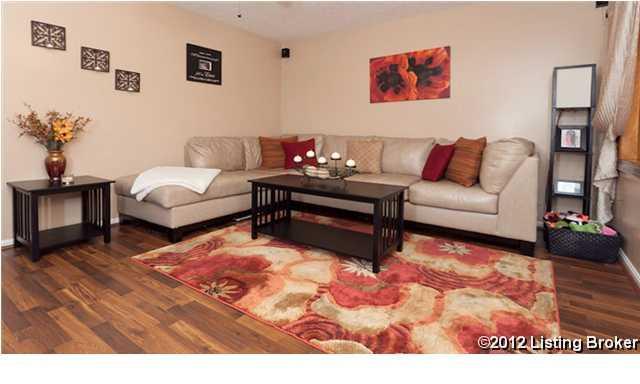 9613 Walnutwood Way Louisville, Kentucky 40299 Living Room