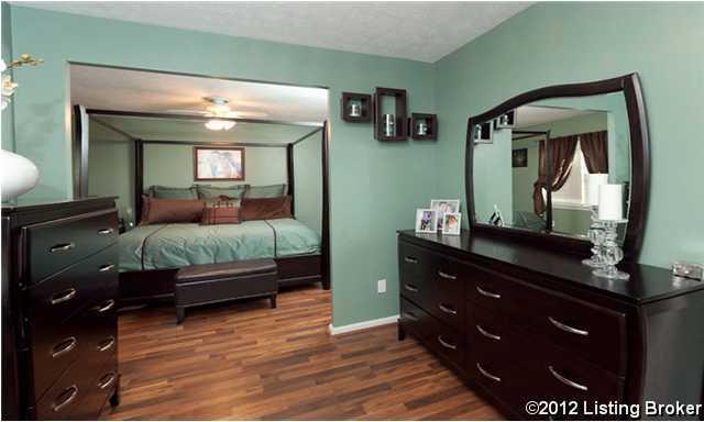 9613 Walnutwood Way Louisville, Kentucky 40299 Master Bedroom
