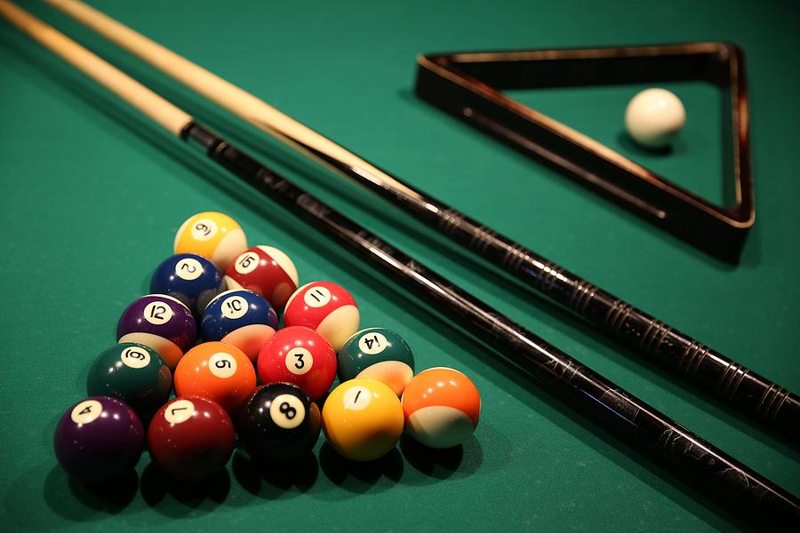 Diamond Pub and Billiards
