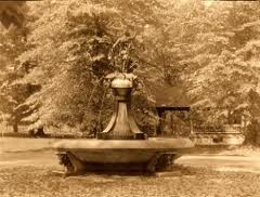 Hogans Fountain in Cherokee Park