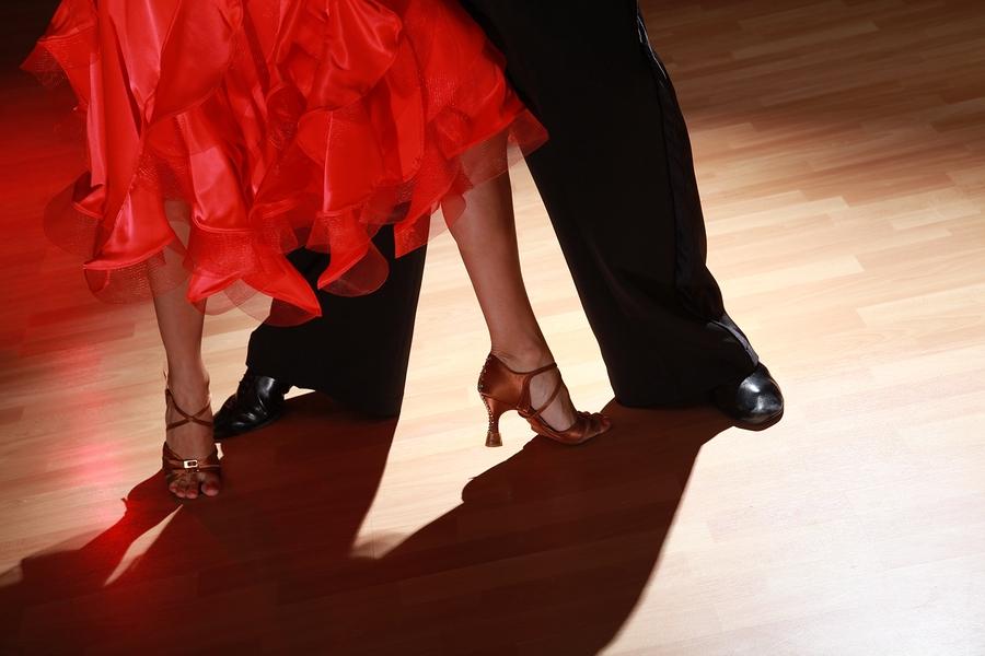 Salsa Dancing at the SkyBar