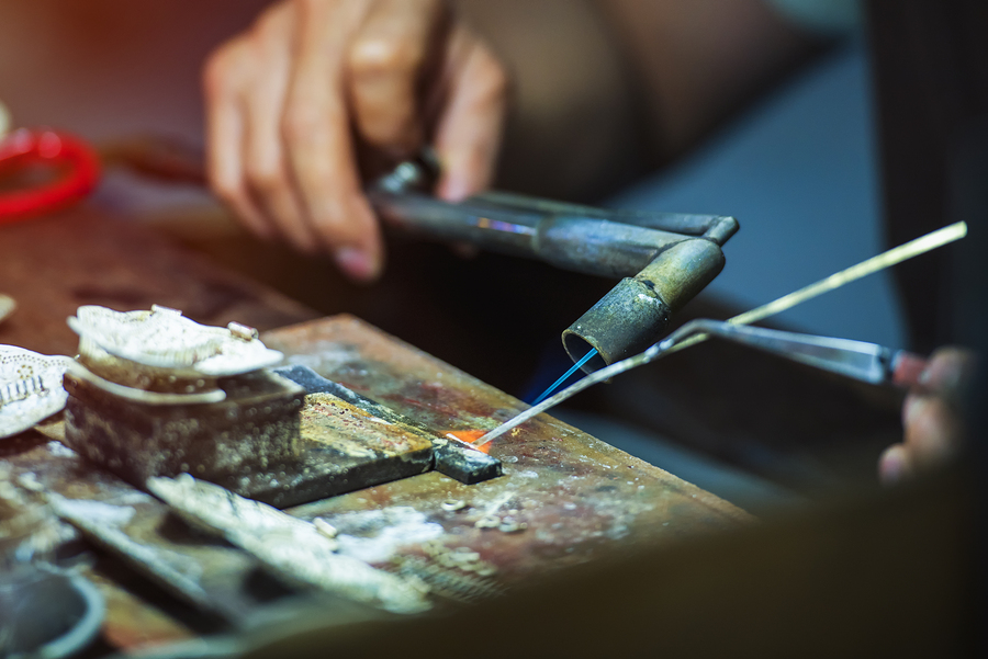Silversmithing Class at the Metro Arts Community Center