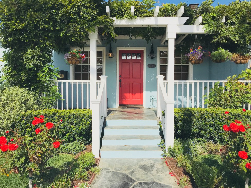 nice-architecture-on-this-home-welcome-home-porch-inviting-bright-beautiful-front-door