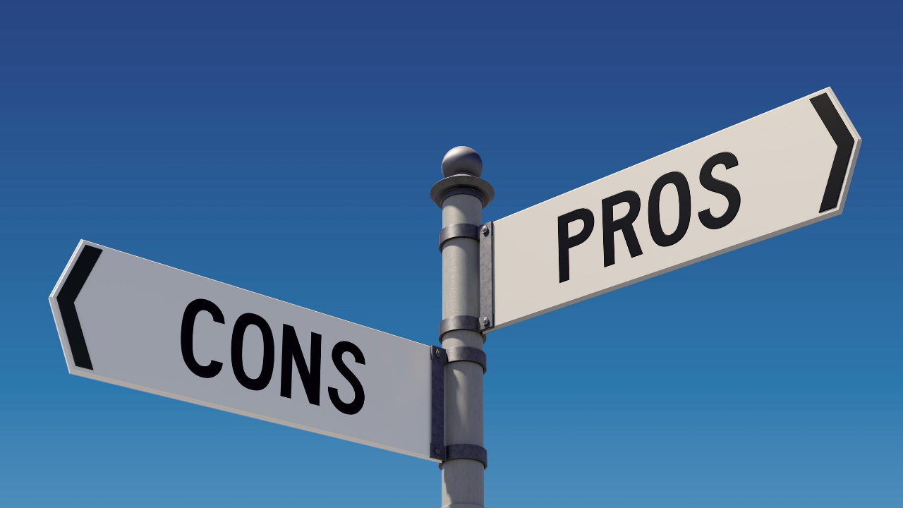 Street sign with pro arrow and con arrow