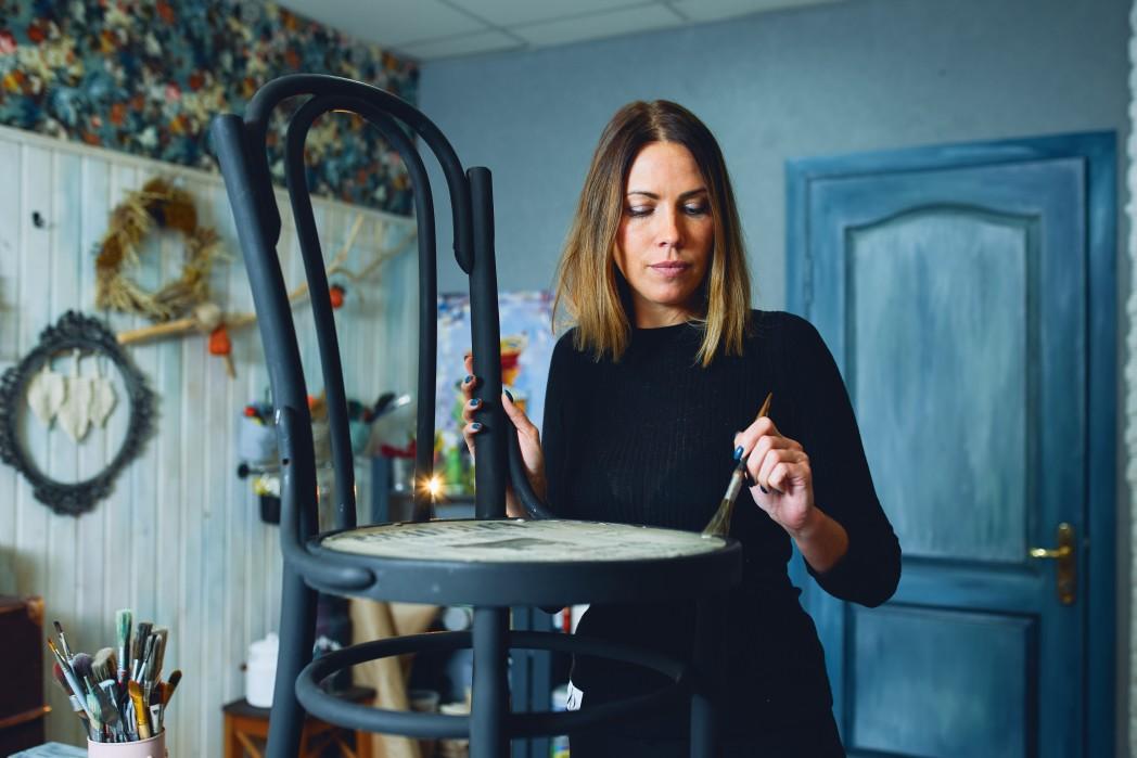 creative-designer-repaints-remodel-hobby-decor-chair-restoration-workshop-renovate-work-painter