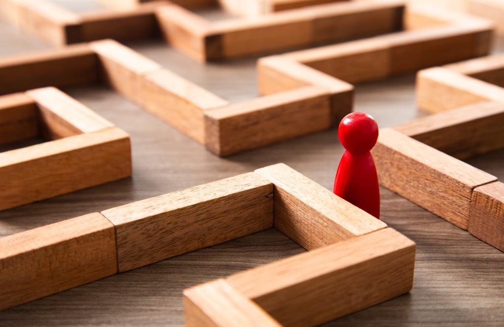 business-direction-challenge-challenge-think-maze-risk-risk-conceptual-find-solution-decision