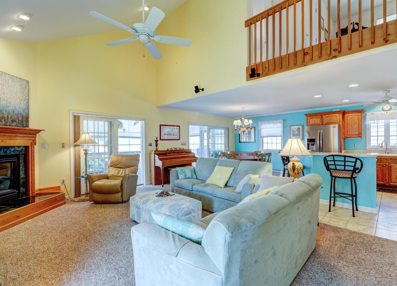 13 W South Carolina Ave Living Room