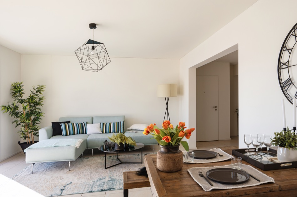 Should You Stage Your Home to Sell? A Homeowner's Guide