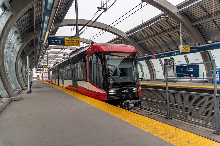 Calgary Ctrain pulling into LRT station