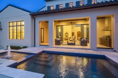 homes with a pool in Orlando
