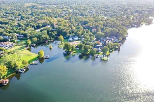 Orlando lakefront homes