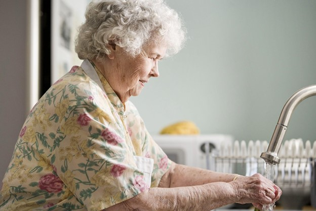 Your Senior-Friendly Guide to Downsizing During COVID-19
