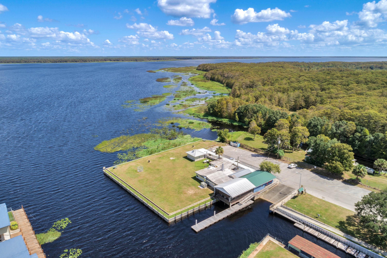 lake_hatchineha_lakefront