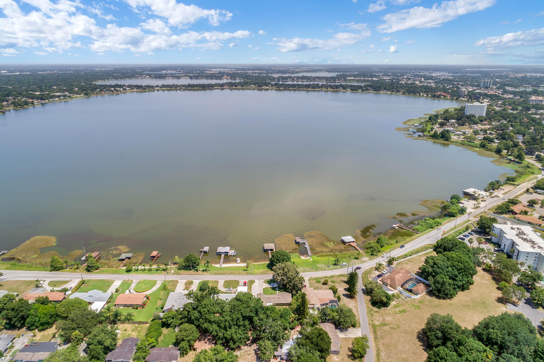 lake howard
