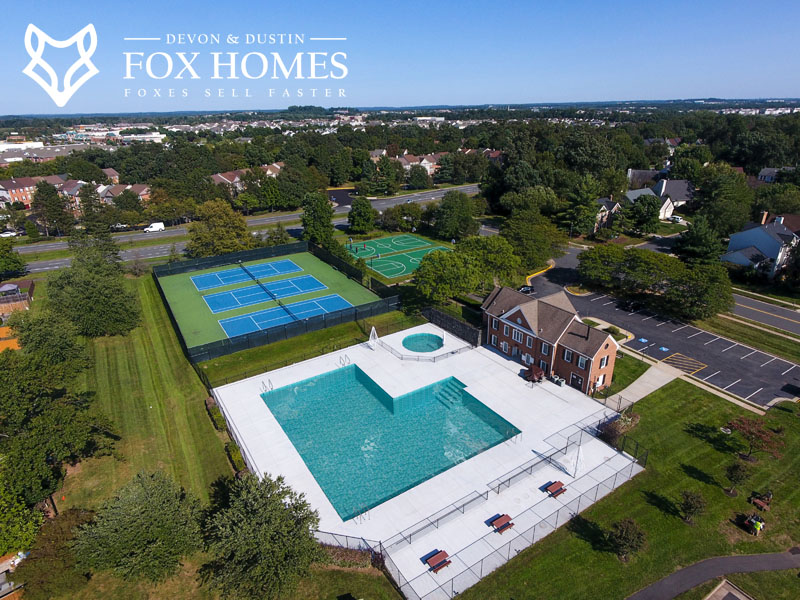 Ashburn Village Woods Recreation center pool